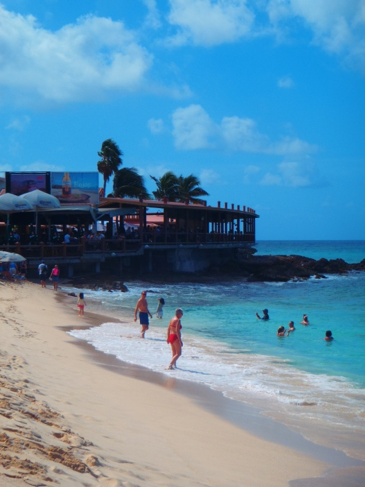 Sunset Beach Bar and Grill-Maho Beach